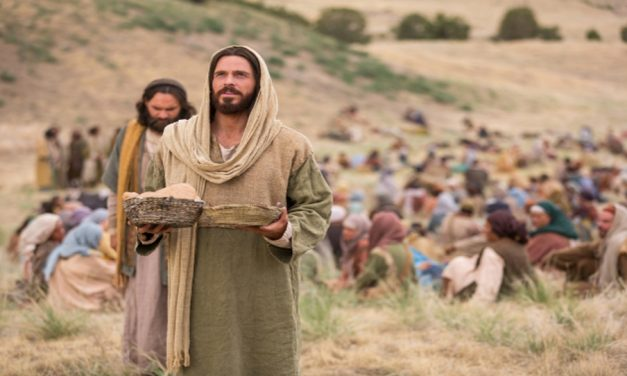 Ministering Like Christ: 4 Christlike Attributes to Follow
